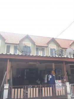 ขายบ้านทาวน์เฮ้าส์ 2ชั้น  พื้นที่ 16.5 ตร.ว  หมู่บ้านแฟมิลี่ทาวน์ อ.เมือง จ.ชลบุรี พร้อมอยู่ พร้อมโอน